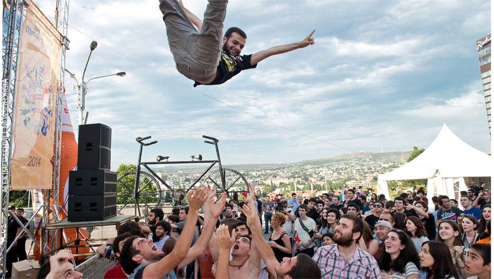 Фестиваль пива в Тбилиси http://travelcalendar.ru/wp-content/uploads/2016/03/Festival-piva-v-Tbilisi_glav1.jpg