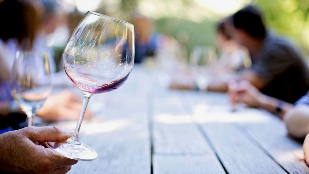 Фестиваль розовых и игристых вин «Розалия» в Будапеште http://travelcalendar.ru/wp-content/uploads/2016/03/Festival-rozovyh-i-igristyh-vin-Rozaliya-v-Budapeshte_glav3.jpg