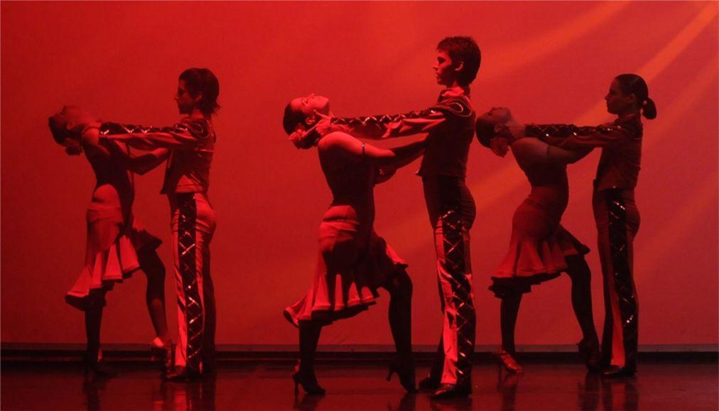 Фестиваль танца в Будапеште http://travelcalendar.ru/wp-content/uploads/2016/03/Festival-sovremennogo-tantsa-v-Budapeshte_glav1.jpg