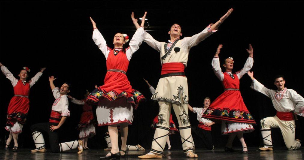 Фестиваль танца в Будапеште http://travelcalendar.ru/wp-content/uploads/2016/03/Festival-sovremennogo-tantsa-v-Budapeshte_glav2.jpg