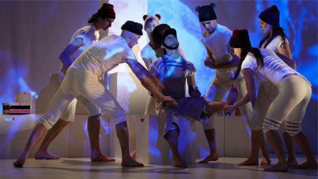 Фестиваль танца в Будапеште http://travelcalendar.ru/wp-content/uploads/2016/03/Festival-sovremennogo-tantsa-v-Budapeshte_glav4.jpg