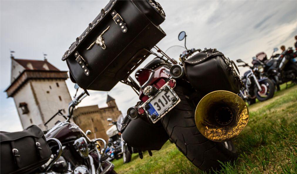 Международный байк-фестиваль Narva MotoFest в Нарве http://travelcalendar.ru/wp-content/uploads/2016/03/Mezhdunarodnyj-bajk-festival-Narva-MotoFest-v-Narve_glav1.jpg