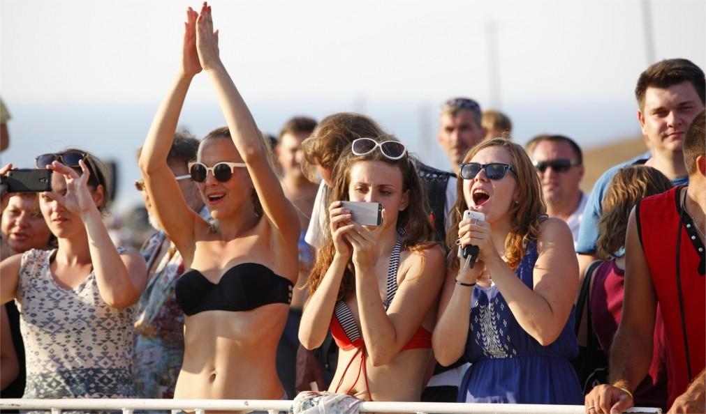 Байк-фестиваль «Тамань – полуостров свободы» в Веселовке http://travelcalendar.ru/wp-content/uploads/2016/03/Mezhdunarodnyj-bajk-festival-Taman-poluostrov-svobody-v-Veselovke_glav2.jpg