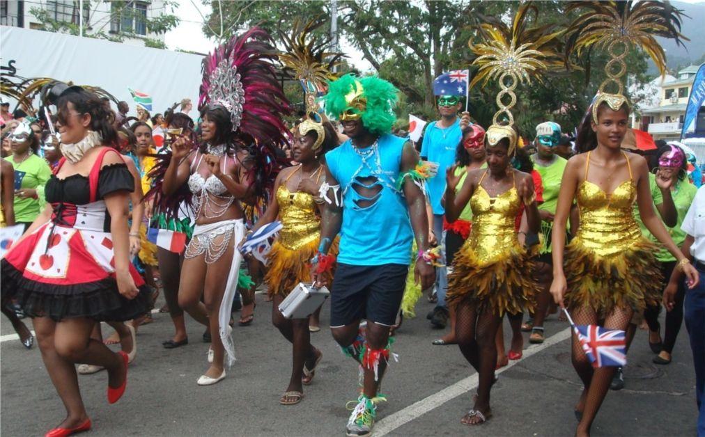 Международный карнавал в Виктории http://travelcalendar.ru/wp-content/uploads/2016/03/Mezhdunarodnyj-karnaval-v-Viktorii_glav1.jpg