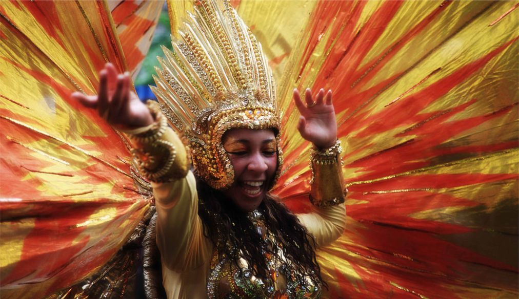 Международный карнавал в Виктории http://travelcalendar.ru/wp-content/uploads/2016/03/Mezhdunarodnyj-karnaval-v-Viktorii_glav3.jpg