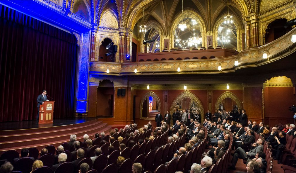 Международный кинофестиваль «Титаник» в Будапеште http://travelcalendar.ru/wp-content/uploads/2016/03/Mezhdunarodnyj-kinofestival-Titanik-v-Budapeshte_glav1.jpg