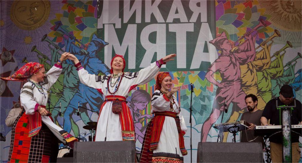 Музыкальный фестиваль «Дикая мята» в Бунырево http://travelcalendar.ru/wp-content/uploads/2016/03/Muzykalnyj-festival-Dikaya-myata-v-Bunyrevo_glav2.jpg