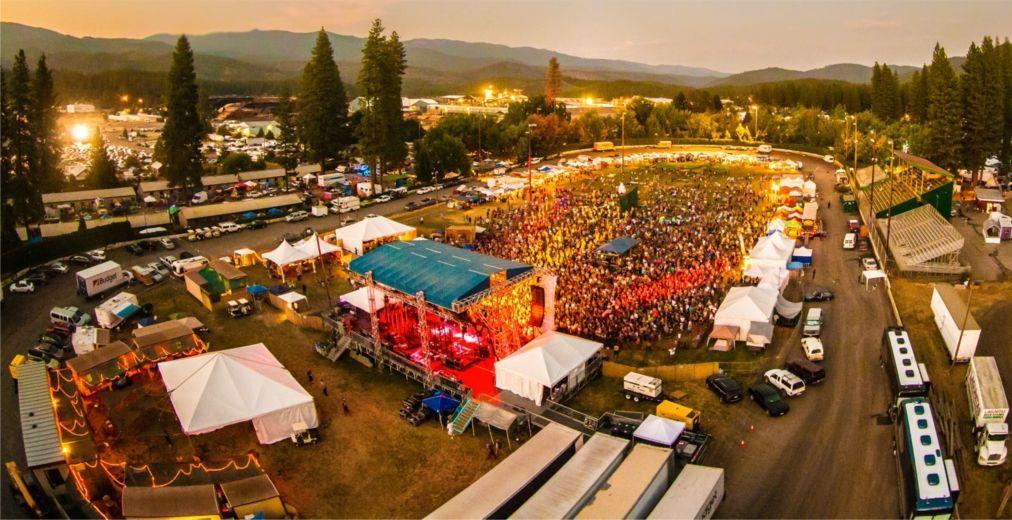 Музыкальный фестиваль «High Sierra» в Куинси http://travelcalendar.ru/wp-content/uploads/2016/03/Muzykalnyj-festival-Vysokaya-Serra-v-Kuinsi_glav3.jpg