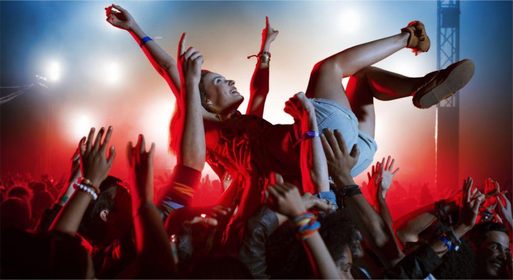 Музыкальный фестиваль в Роскилле http://travelcalendar.ru/wp-content/uploads/2016/03/Muzykalnyj-festival-v-Roskille_glav4.jpg