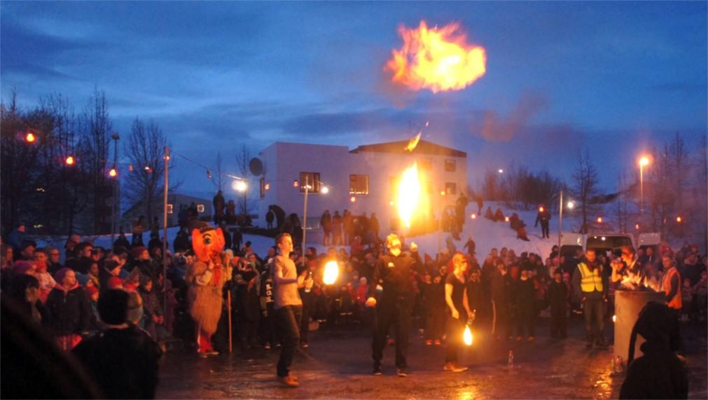 Праздник Треттаундинн в Исландии http://travelcalendar.ru/wp-content/uploads/2016/03/Prazdnik-Trettaundinn-v-Islandii_glav2.jpg