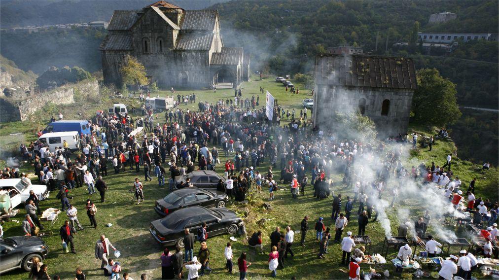 Праздник хороваца в Армении http://travelcalendar.ru/wp-content/uploads/2016/03/Prazdnik-horovatsa-v-Armenii_glav2.jpg
