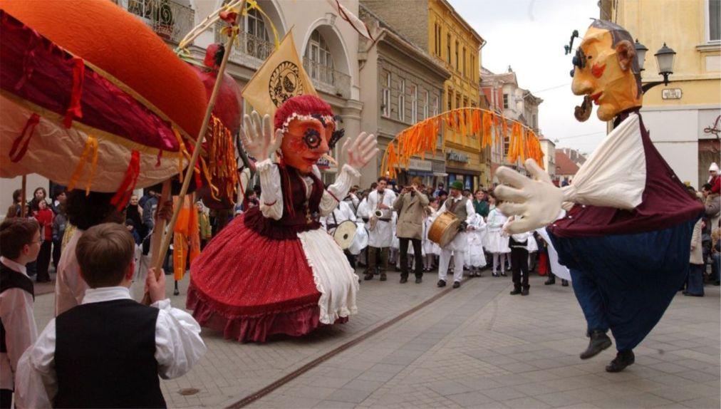 Весенний фестиваль в Будапеште http://travelcalendar.ru/wp-content/uploads/2016/03/Vesennij-festival-v-Budapeshte_glav2-1.jpg