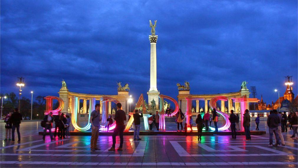 Весенний фестиваль в Будапеште http://travelcalendar.ru/wp-content/uploads/2016/03/Vesennij-festival-v-Budapeshte_glav4.jpg