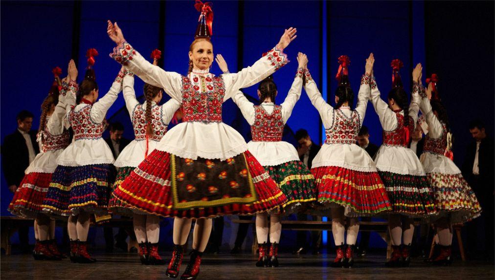 Весенний фестиваль в Будапеште http://travelcalendar.ru/wp-content/uploads/2016/03/Vesennij-festival-v-Budapeshte_glav5.jpg