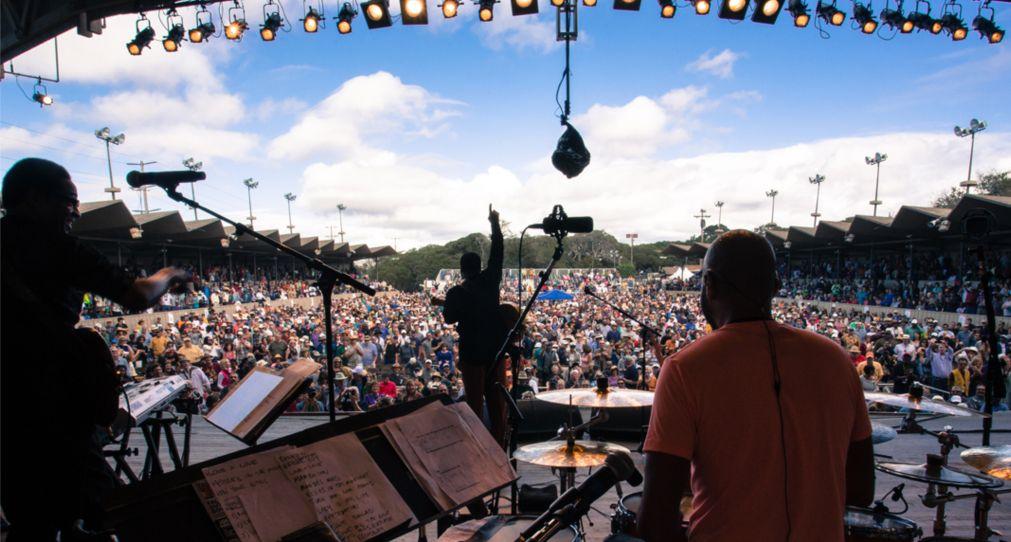 Джазовый фестиваль в Монтерее http://travelcalendar.ru/wp-content/uploads/2016/04/Dzhazovyj-festival-v-Monteree_glav1.jpg