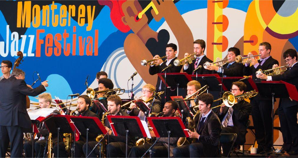 Джазовый фестиваль в Монтерее http://travelcalendar.ru/wp-content/uploads/2016/04/Dzhazovyj-festival-v-Monteree_glav3.jpg