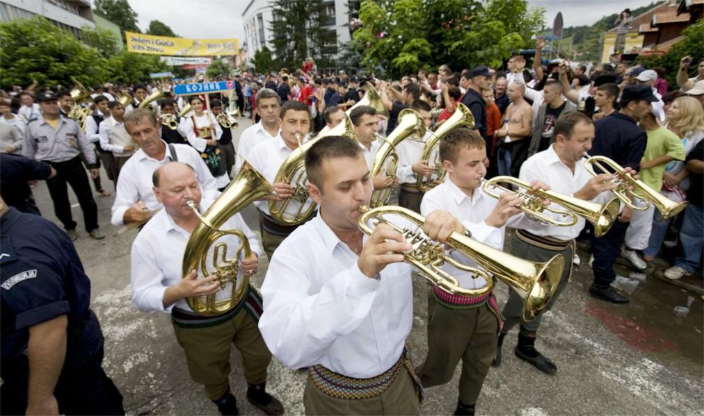 Фестиваль духовых оркестров в Гуче http://travelcalendar.ru/wp-content/uploads/2016/04/Festival-duhovyh-orkestrov-v-Guche_glav1.jpg