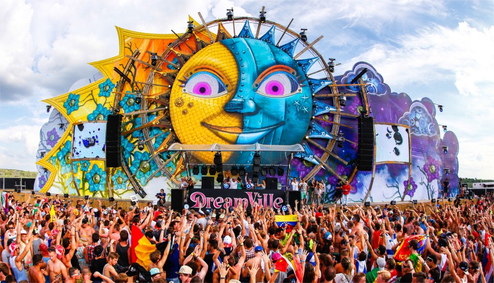 Фестиваль электронной музыки Tomorrowland в Буме http://travelcalendar.ru/wp-content/uploads/2016/04/Festival-elektronnoj-muzyki-Tomorrowland-v-Bume_glav3.jpg