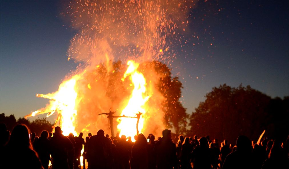 Фестиваль хэви-метал и фолк-музыки «Килким Жайбу» в Варняй http://travelcalendar.ru/wp-content/uploads/2016/04/Festival-hevi-metal-i-folk-muzyki-Kilkim-ZHajbu-v-Varnyaj_glav8.jpg