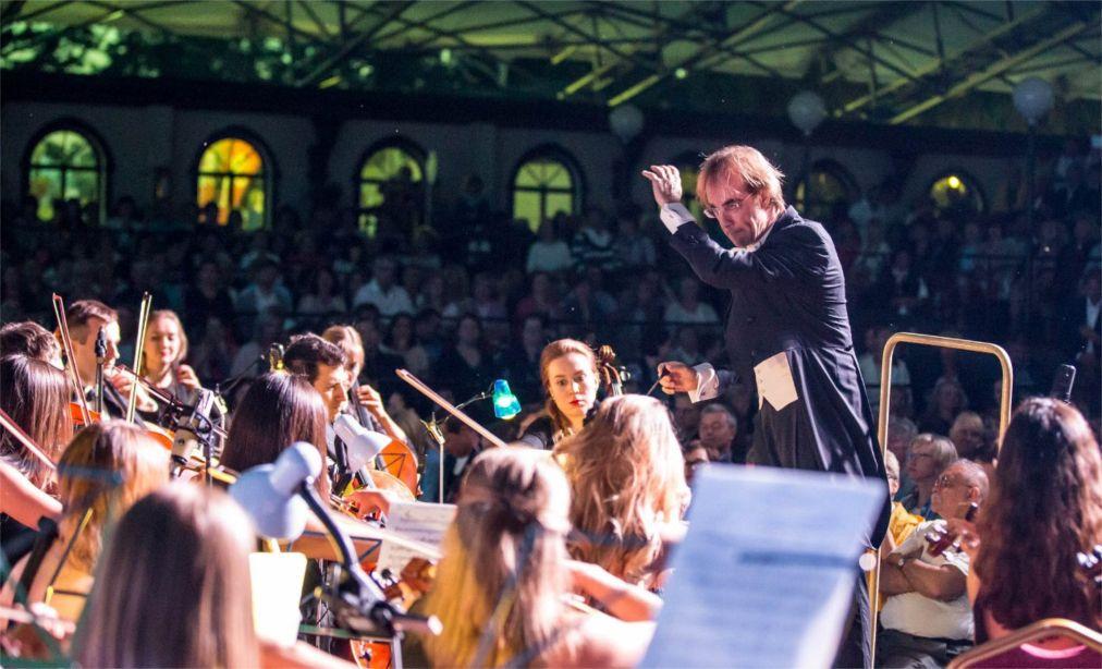 Фестиваль музыки и искусств «Тремоло» в Тольятти http://travelcalendar.ru/wp-content/uploads/2016/04/Festival-muzyki-i-iskusstv-Tremolo-v-Tolyatti_glav1.jpg