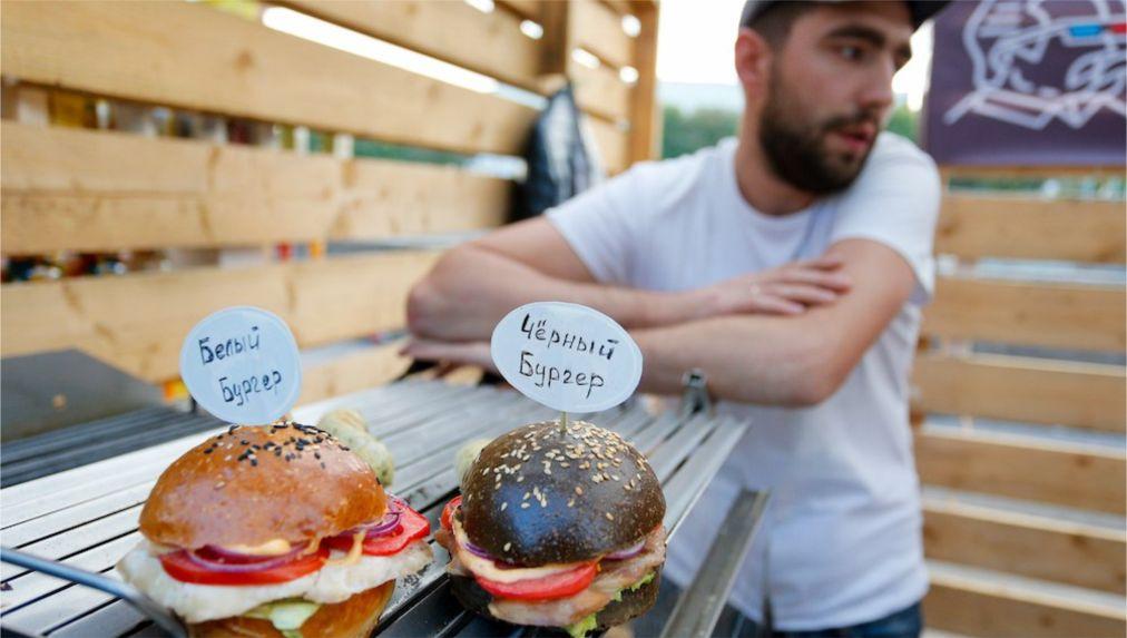 Гастрономический фестиваль Street Food Weekend в Калининграде http://travelcalendar.ru/wp-content/uploads/2016/04/Gastronomicheskij-festival-Street-Food-Weekend-v-Kaliningrade_glav2.jpg