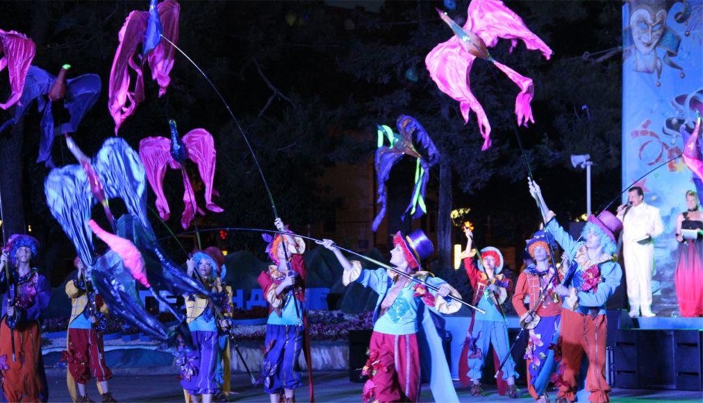 Карнавал в Геленджике http://travelcalendar.ru/wp-content/uploads/2016/04/Karnaval-v-Gelendzhike_glav4.jpg