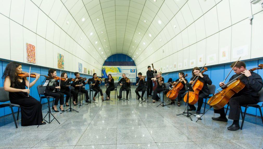 Культурный проект «Музыка в метро» в Москве http://travelcalendar.ru/wp-content/uploads/2016/04/Kulturnyj-proekt-Muzyka-v-metro-v-Moskve_glav1.jpg