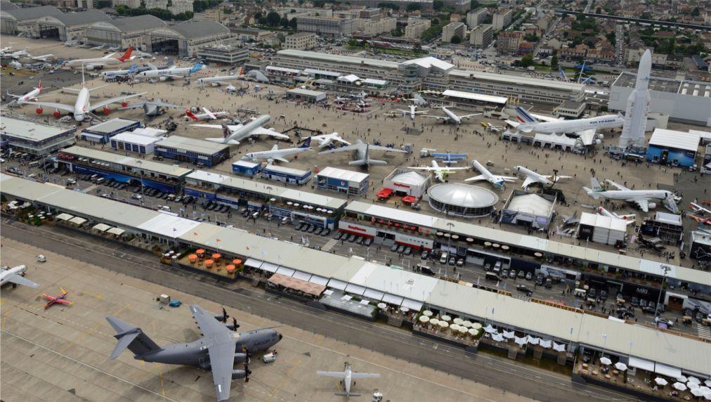 Международный Парижский аэрокосмический салон Ле Бурже http://travelcalendar.ru/wp-content/uploads/2016/04/Mezhdunarodnyj-Parizhskij-aerokosmicheskij-salon-Le-Burzhe_glav1.jpg