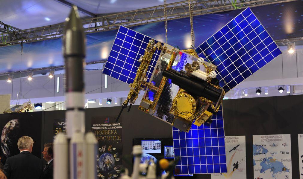 Международный авиационно-космический салон «МАКС» в Жуковском http://travelcalendar.ru/wp-content/uploads/2016/04/Mezhdunarodnyj-aviatsionno-kosmicheskij-salon-MAKS-v-ZHukovskom_glav5.jpg