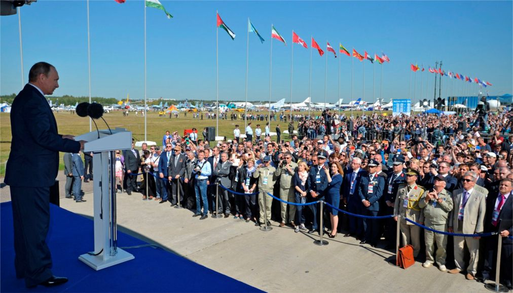 Международный авиационно-космический салон «МАКС» в Жуковском http://travelcalendar.ru/wp-content/uploads/2016/04/Mezhdunarodnyj-aviatsionno-kosmicheskij-salon-MAKS-v-ZHukovskom_glav7.jpg
