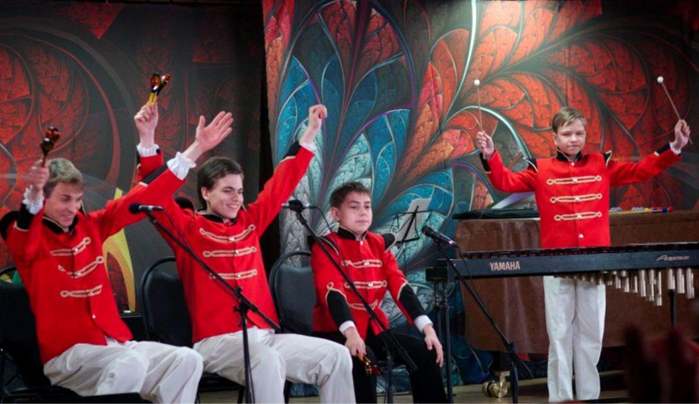 Международный фестиваль «Москва встречает друзей» http://travelcalendar.ru/wp-content/uploads/2016/04/Mezhdunarodnyj-festival-Moskva-vstrechaet-druzej-_glav9.jpg