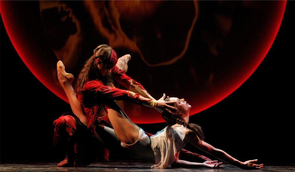 Международный фестиваль классического балета им. Рудольфа Нуриева в Казани http://travelcalendar.ru/wp-content/uploads/2016/04/Mezhdunarodnyj-festival-klassicheskogo-baleta-im.-Rudolfa-Nurieva-v-Kazani_glav3.jpg