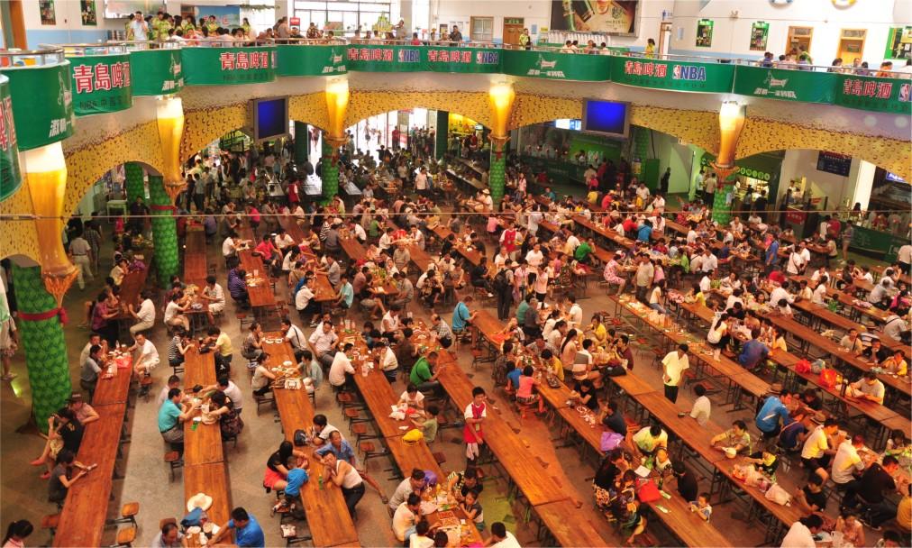 Международный фестиваль пива в Циндао http://travelcalendar.ru/wp-content/uploads/2016/04/Mezhdunarodnyj-festival-piva-v-TSindao_glav2.jpg