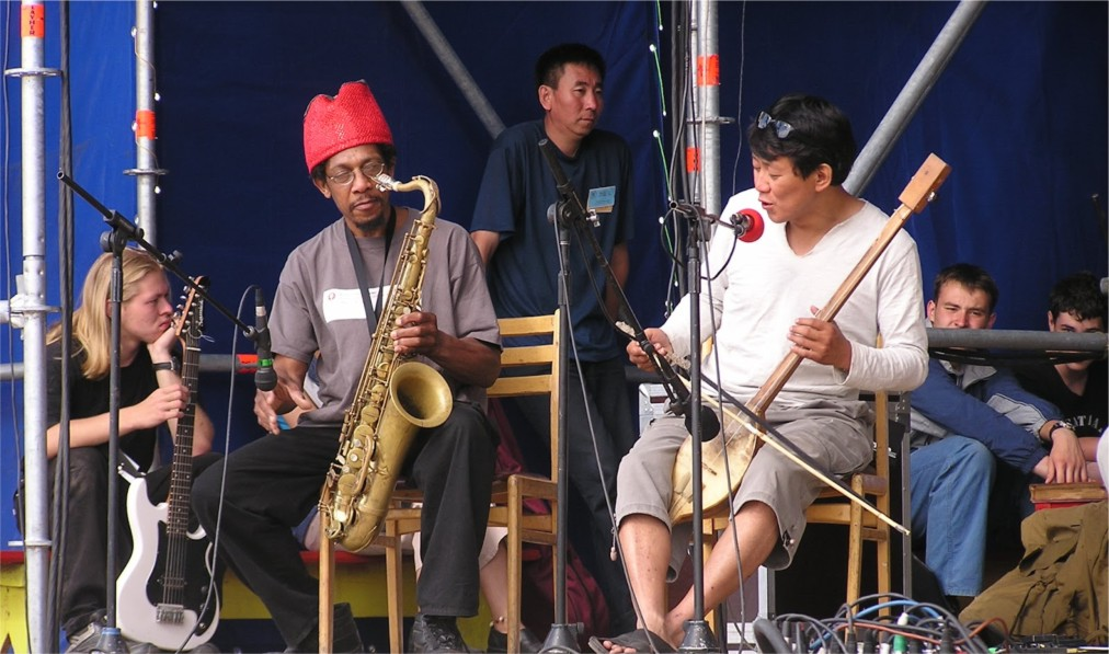Международный фестиваль живой музыки и веры «Устуу-Хурээ» в Чадане http://travelcalendar.ru/wp-content/uploads/2016/04/Mezhdunarodnyj-festival-zhivoj-muzyki-i-very-Ustuu-Huree-v-CHadane_glav4.jpg