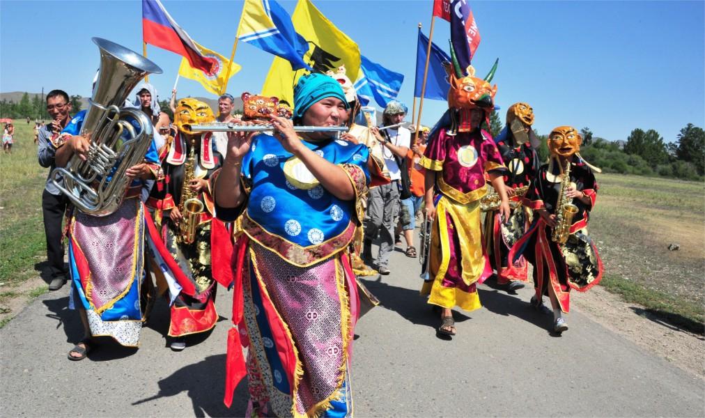Международный фестиваль живой музыки и веры «Устуу-Хурээ» в Чадане http://travelcalendar.ru/wp-content/uploads/2016/04/Mezhdunarodnyj-festival-zhivoj-muzyki-i-very-Ustuu-Huree-v-CHadane_glav8.jpg
