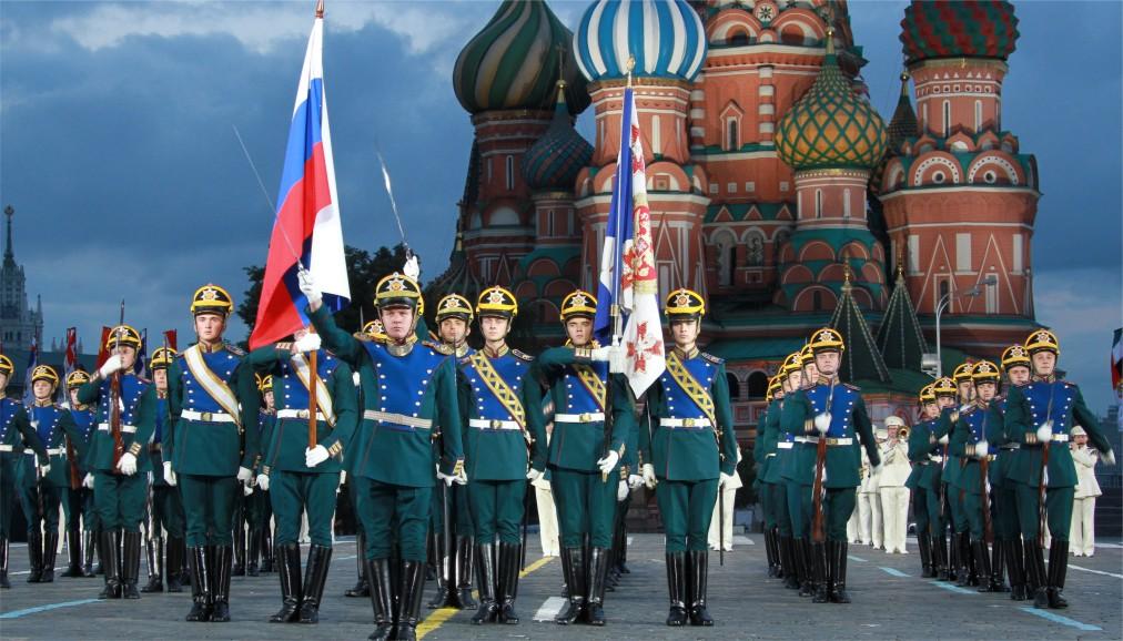 Международный военно-музыкальный фестиваль «Спасская башня» в Москве http://travelcalendar.ru/wp-content/uploads/2016/04/Mezhdunarodnyj-voenno-muzykalnyj-festival-Spasskaya-bashnya-v-Moskve_glav3.jpg