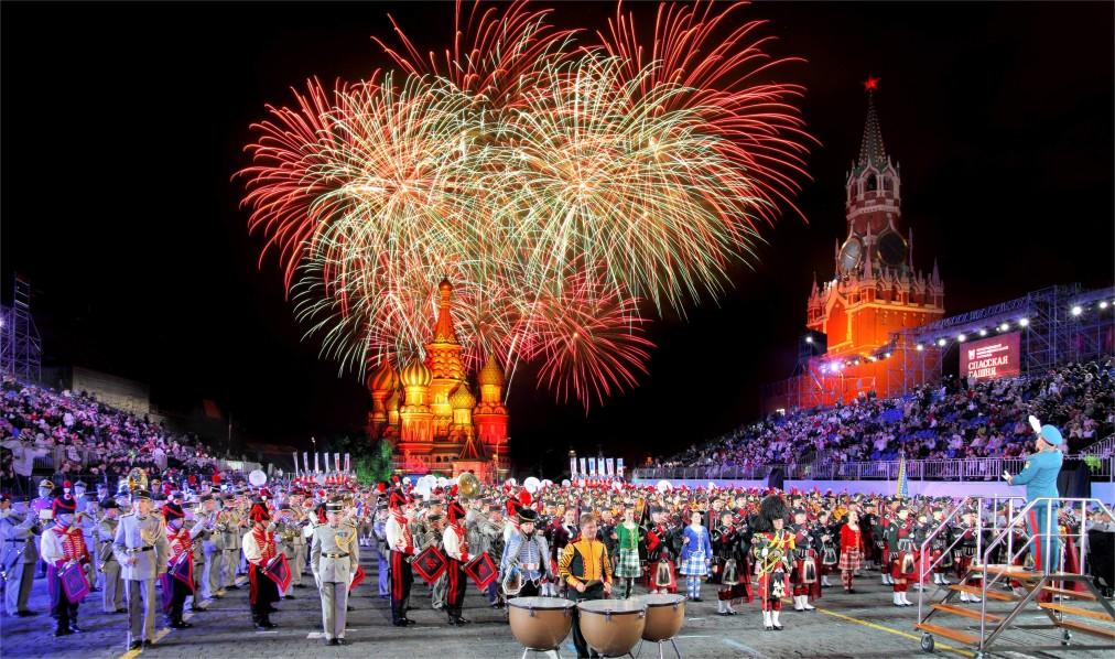 Международный военно-музыкальный фестиваль «Спасская башня» в Москве http://travelcalendar.ru/wp-content/uploads/2016/04/Mezhdunarodnyj-voenno-muzykalnyj-festival-Spasskaya-bashnya-v-Moskve_glav6.jpg