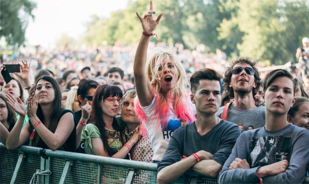 Музыкальный фестиваль «Пикник Афиши» в Москве http://travelcalendar.ru/wp-content/uploads/2016/04/Muzykalnyj-festival-Piknik-Afishi-v-Moskve_glav3.jpg