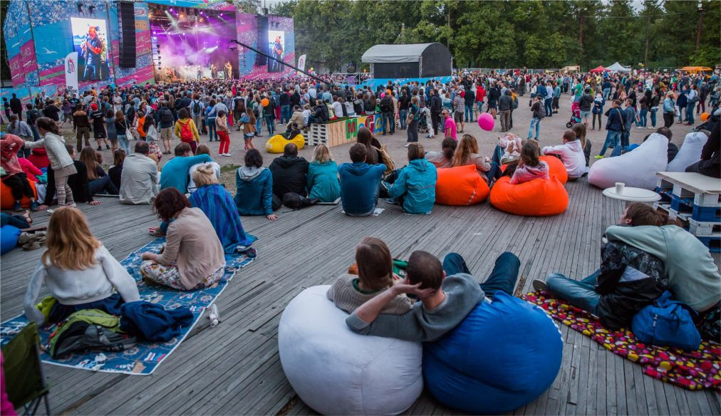 Музыкальный фестиваль «Стереолето» в Санкт-Петербурге http://travelcalendar.ru/wp-content/uploads/2016/04/Muzykalnyj-festival-Stereoleto-v-Sankt-Peterburge_glav7.jpg