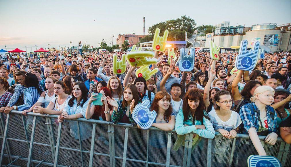 Музыкальный шоукейс-фестиваль V-ROX во Владивостоке http://travelcalendar.ru/wp-content/uploads/2016/04/Muzykalnyj-shoukejs-festival-V-ROX-vo-Vladivostoke_glav4.jpg