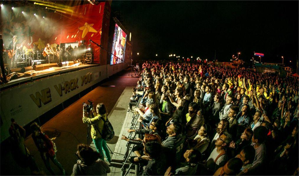 Музыкальный шоукейс-фестиваль V-ROX во Владивостоке http://travelcalendar.ru/wp-content/uploads/2016/04/Muzykalnyj-shoukejs-festival-V-ROX-vo-Vladivostoke_glav6.jpg