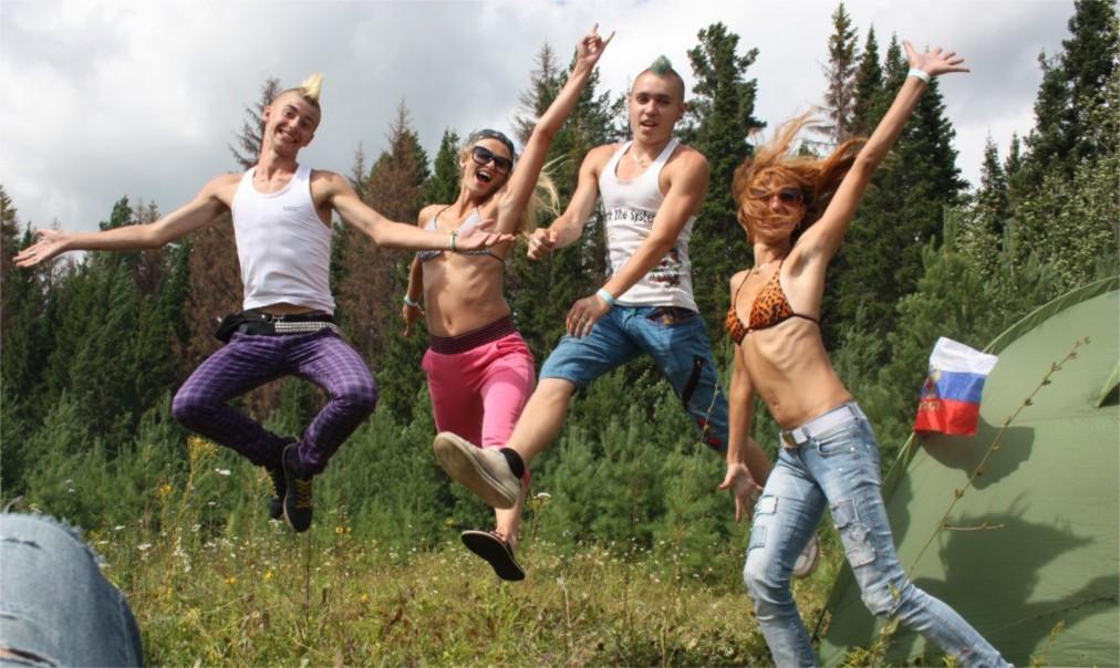 Рок-фестиваль «Улетай» в Нечкино http://travelcalendar.ru/wp-content/uploads/2016/04/Rok-festival-Uletaj-v-Nechkino_glav5.jpg