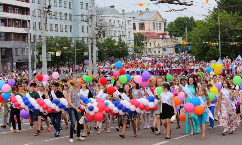 День города в Иваново http://travelcalendar.ru/wp-content/uploads/2016/05/Den-goroda-v-Ivanovo_glav4.jpg