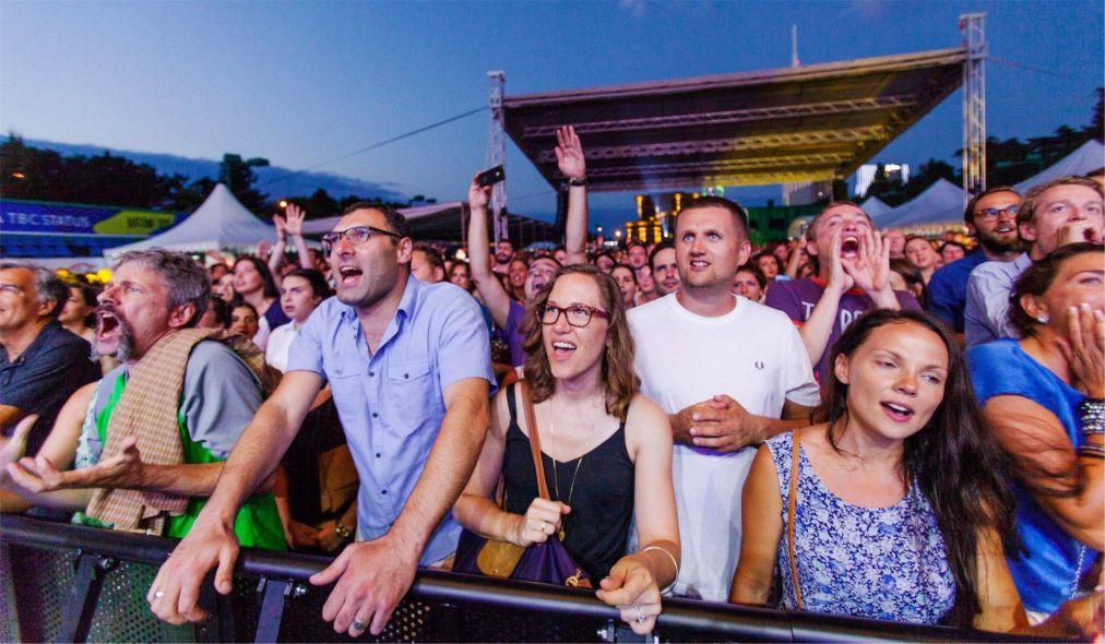 Джазовый фестиваль Black Sea в Батуми http://travelcalendar.ru/wp-content/uploads/2016/05/Dzhazovyj-festival-Black-Sea-v-Batumi_glav2.jpg