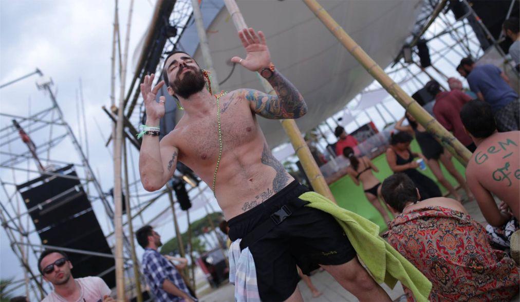 Фестиваль электронной музыки GEM Fest в Анаклии http://travelcalendar.ru/wp-content/uploads/2016/05/Festival-elektronnoj-muzyki-GEM-Fest-v-Anaklii_glav9.jpg