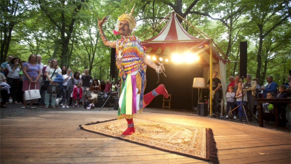 Фестиваль посольств в Гааге http://travelcalendar.ru/wp-content/uploads/2016/05/Festival-posolstv-v-Gaage_glav1.jpg