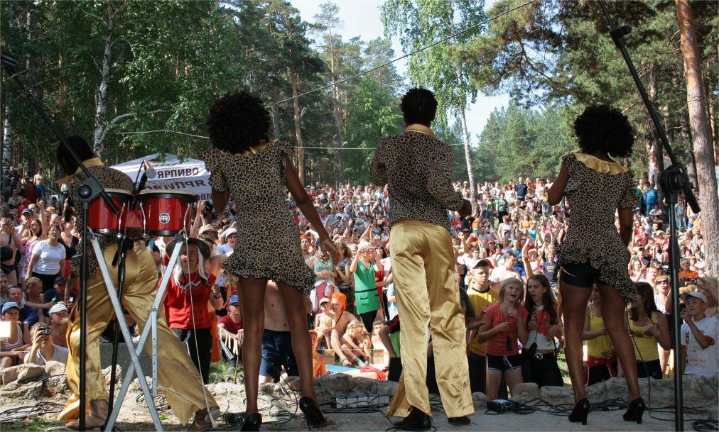 Ильменский фестиваль в Миассе http://travelcalendar.ru/wp-content/uploads/2016/05/Ilmenskij-festival-v-Miasse_glav2.jpg