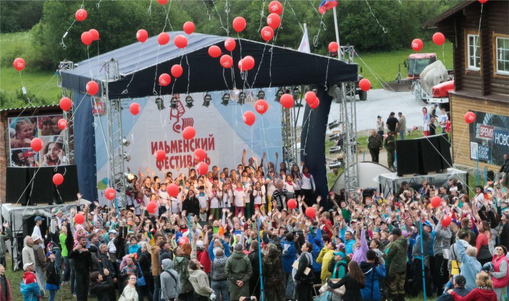 Ильменский фестиваль в Миассе http://travelcalendar.ru/wp-content/uploads/2016/05/Ilmenskij-festival-v-Miasse_glav3.jpg