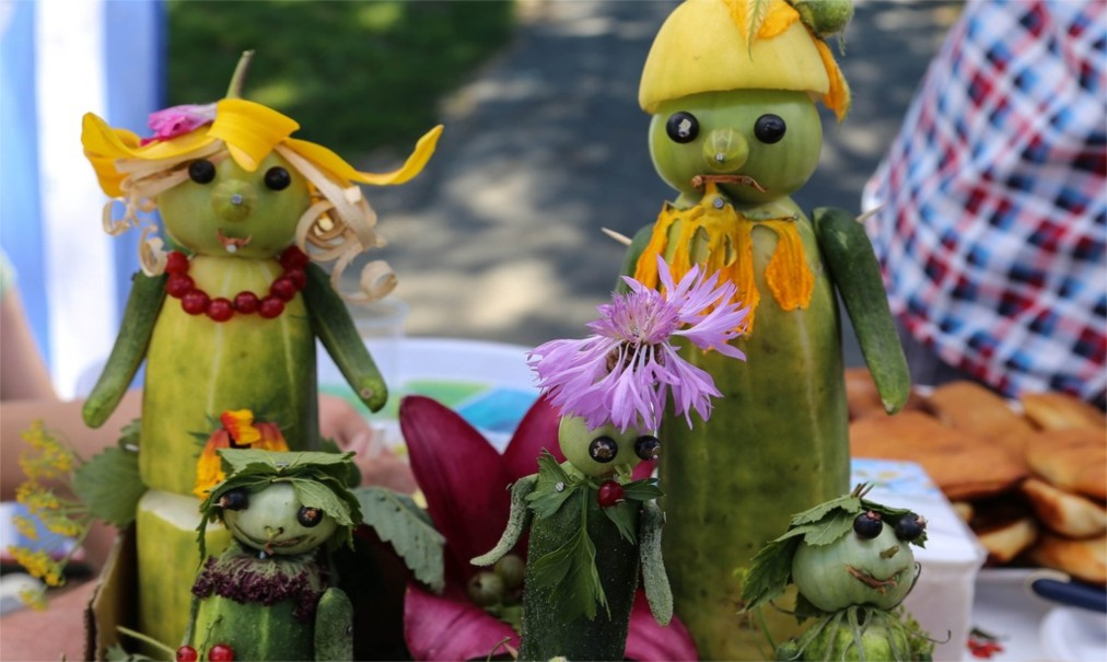 Международный праздник огурца в Суздале http://travelcalendar.ru/wp-content/uploads/2016/05/Mezhdunarodnyj-prazdnik-ogurtsa-v-Suzdale_glav5.jpg