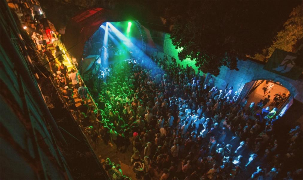 Музыкальный фестиваль Dimensions в Штиньяне http://travelcalendar.ru/wp-content/uploads/2016/05/Muzykalnyj-festival-Dimensions-v-SHtinyane_glav4.jpg